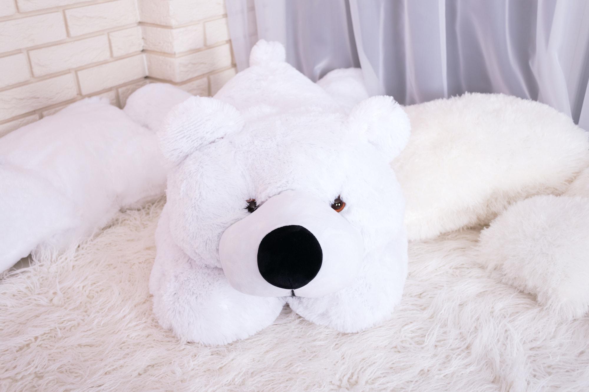 Белый мишка для фотосессий