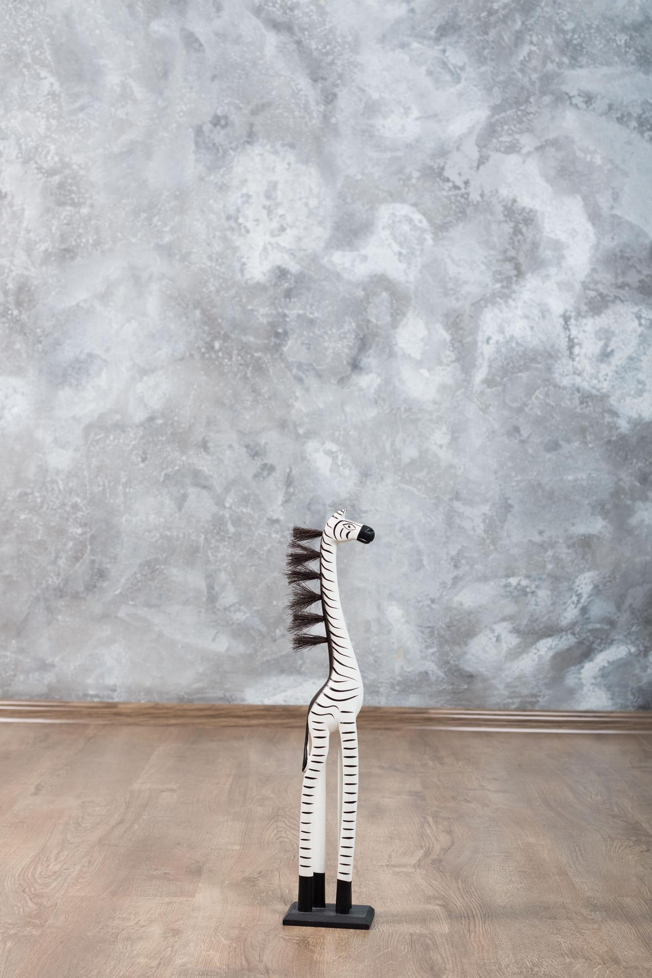 Серая фотозона с зеброй