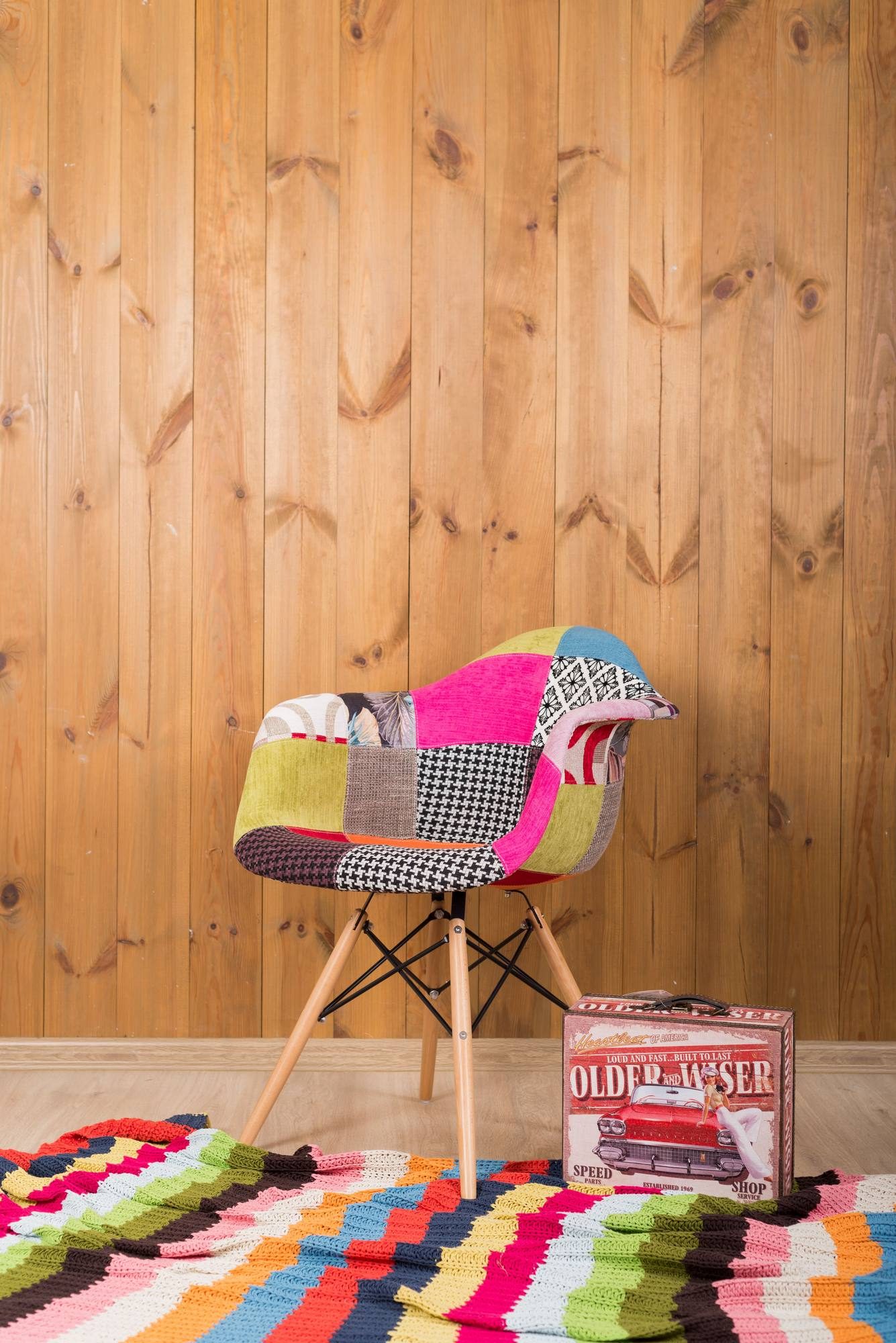 Локация деревянная WOOD - кресло печворк